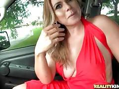 Skillful Levi Cash knows well how to seduce pretty milf.